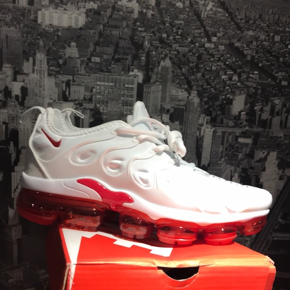 Nike vapormax plus all white red bubble brand new